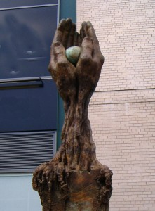 """""""Tree of Life Memorial"""", sculpture dedicated to the victims of the Birmingham Blitz, Lorenzo Quinn, early 21st century"""